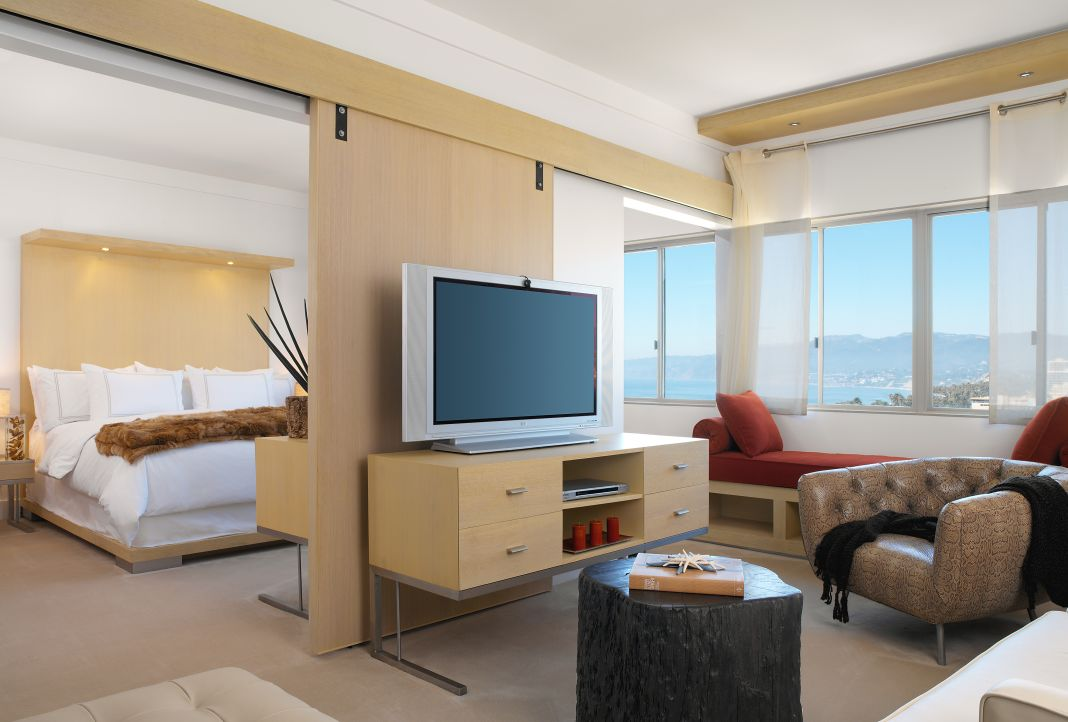 Malibu Hotel Suite with a Television