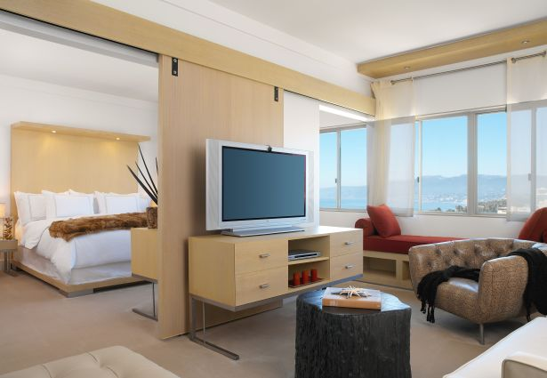 huntley hotel suite with ocean view