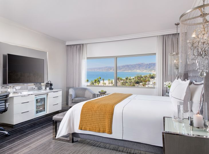 Huntley Hotel King Room with Ocean View