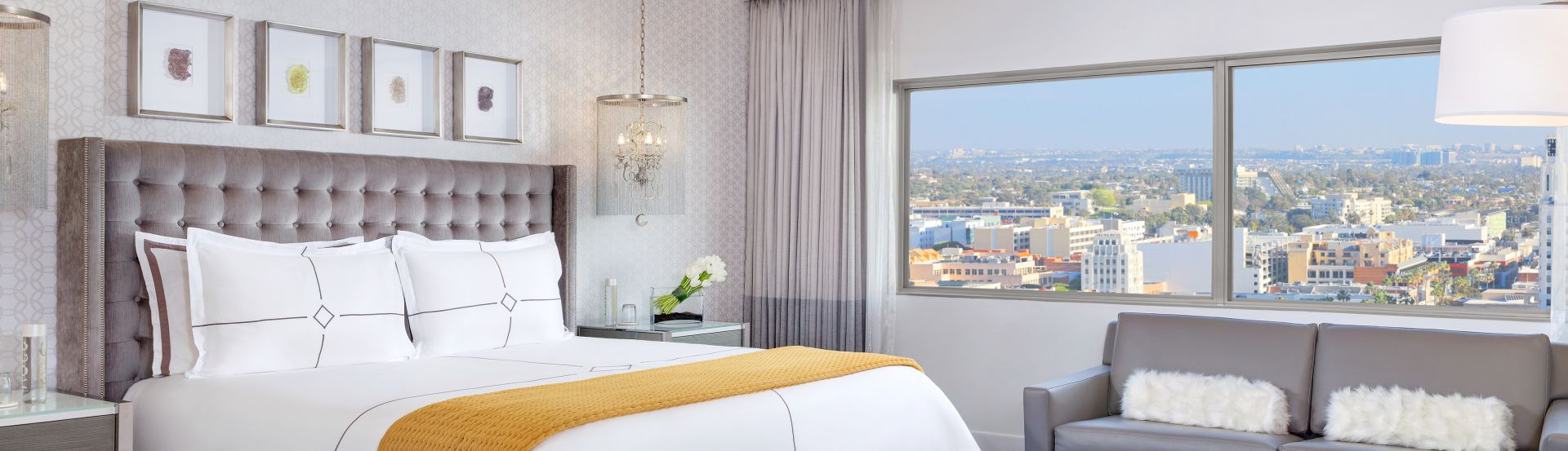 HUNTLEY KING Hotel Rooms Breathtaking Views of the pacific ocean and Santa Monica Cityscape
